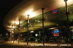 Der nächtliche Bus Port Hamburg.